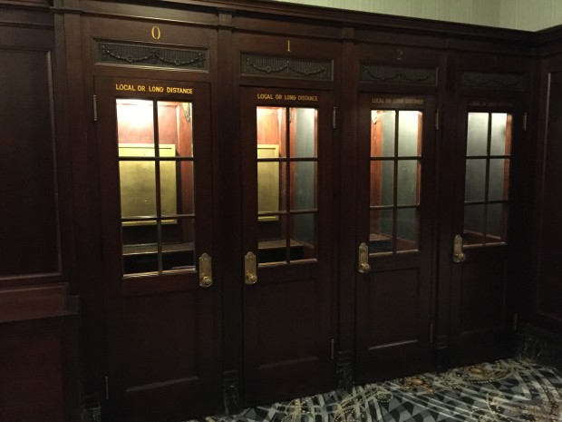 Lobby old Muehlebach, phone booths